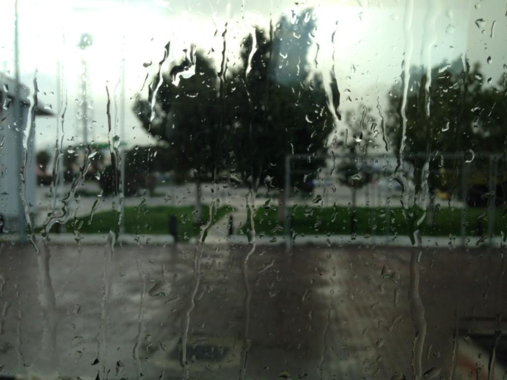 Kıbrıs'ın yağmuru da bir başka oluyormuş. Otele dönüyoruz.